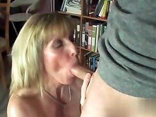 Mature Fucked hard in her pussy