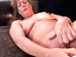 Amateur;Mature;MILF;Masturbation;HD sexy milf...