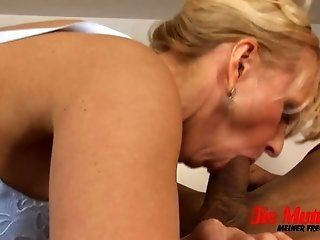 Mature;Facials;MILF;Blonde;HD Mom and the hard...