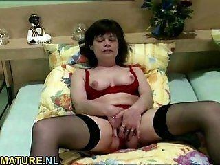 Amateur;Mature;Masturbation;Lingerie Brunette mature...