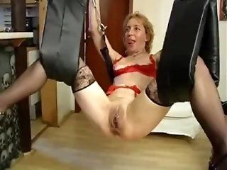 BDSM,Fingering,Grannies,Mature,Dildos/Toys