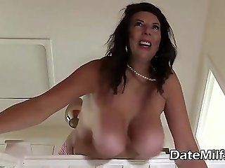Moms cougar natural big tit