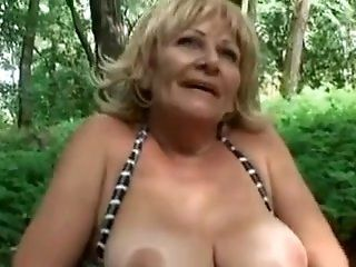 Amateur,Flashing,Grannies,Mature,Public