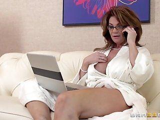 HD,Big Tits,Blowjob,Mature,POV,Squirting,Big Dick Watching a bunch...
