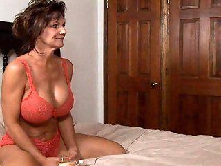 Cunnilingus,Fingering,Lesbian,Big Tits,Mature Deauxma gets wet...