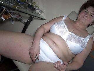 Mature,HD,Hairy,BBW,Dildos/Toys Bulky and quite...