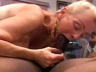 Grannies,Interracial,Oldie,Mature,Black and Ebony
