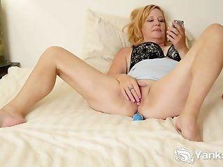 Amateur;Mature;Masturbation;Blonde;HD Mature Violet...