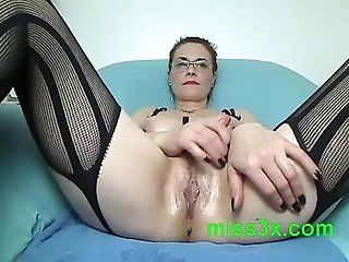 Mature;MILF Fucking hot mom...