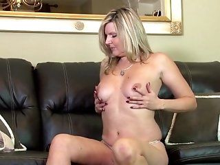 Amateur;Mature;MILF;HD Amateur moms with...
