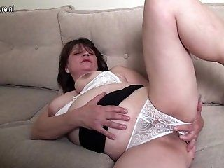 Amateur;Mature;MILF Horny mature slut...
