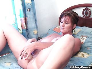 Amateur;Big Boobs;Grannies;Matures;MILFs;Dildo;Old;Older;GILF;Granny;Grandma;Watching;Online;Anal Play;British MILF;British Granny;English;Mother;Housewives;Older Woman Fun Classy grandma...