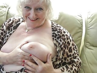 Amateur;Grannies;Matures;MILFs;Squirting;HD Videos Claire Knight squirting on the sofa
