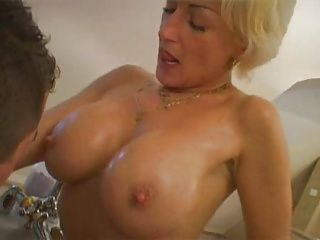 Blondes;Big Boobs;Matures;MILFs;Old;Big Tits;Granny;Older;Bathtub;Fucking milf fucking in...