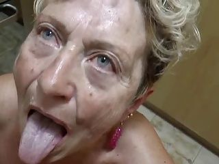 Blowjobs;Cumshots;German;Grannies;Matures Sex im Alter -...