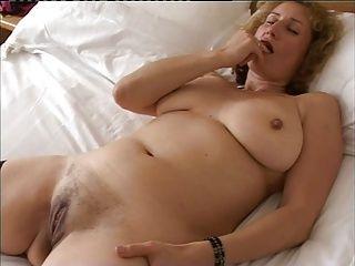 Amateur;British;Brunettes;Masturbation;Matures British Amateur Naomi