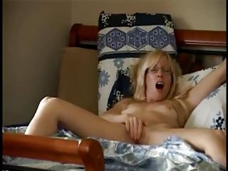 Lingerie;Masturbation;Matures;MILFs;Voyeur;Solo;Showing off;Showing;Mom mom showing off