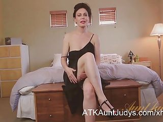 Amateur;Big Boobs;Masturbation;Matures;MILFs;HD Videos;Cougars;Sexy Cougar;Sexy;Aunt Judy's Sexy cougar Nancy Vee masturbates.