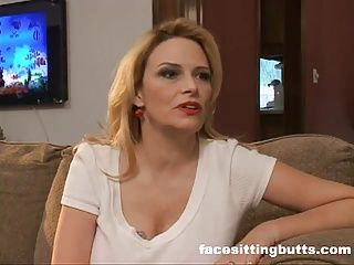 Blondes;Cougars;Face Sitting;Matures;MILFs;Blonde MILF;Facesitting Butts Eager blonde MILF...