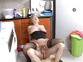 Blowjobs;Cumshots;German;Grannies;Matures Hausfrauen aus...