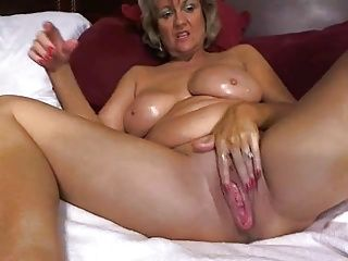 Close-ups;Masturbation;Matures;Mother;Pussy;Sexy;Toying;Home Made;Nasty;Erotic;Web Cams;Solo;Amazing;Creamy;Exclusive;Awesome;Masturbates;Mom Awesome big tited mom masturbates