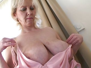 Big Boobs;Matures;MILFs;Prefect A prefect milf