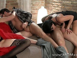 HD,MILFs,Mature