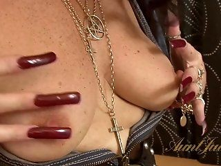 Amateur,HD,Mature,Stockings Chubby mature mommy Zadi strips and...