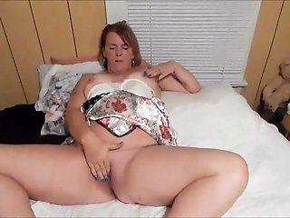 Mature;HD Married Woman Plays With her Pussy