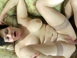Anal,Mature,Stockings,BBW,Big Tits Nasty mom Elsa is in the mood to get...
