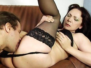 Mature,Cunnilingus,Brunette Old and horny...