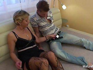 Mature;Blonde;HD Confused blonde...