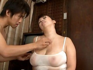 Asian,Japanese,Mature,BBW,Big Tits,Blowjob,Hardcore Mature babe Yukari Orihara is built...
