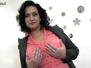 Amateur;Mature;MILF Big breasted mom...
