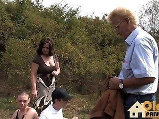 Big Tits;Amateur;Mature;MILF;POV;HD;Young and Old Oldie Sex im Freien