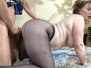 Fetish,Mature,Stockings,Big Tits,Big Butt,BBW,Cunnilingus,Hardcore,Oldie Lusty cougar Flo came home after the...