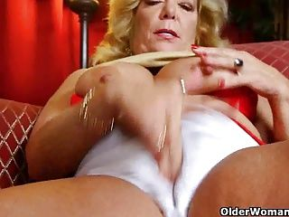 Grannies;Masturbation;Matures;MILFs;Nylon;Pantyhose;Granny;Mother;Grandma;Tights;GILF;Solo;Housewife;American;Nylons;Kitchen;Wife;Old;Masturbating;Cleaning;Older Woman Fun America's...