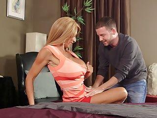Anal;Cougars;Matures;MILFs;HD Videos Cougar Lyla fucks