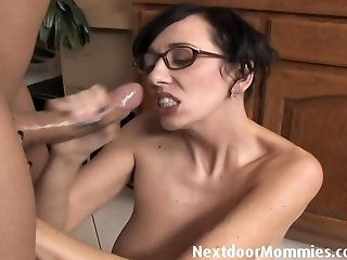 MILFs,Handjobs,Blowjob,Facial,Mature,Brunette,Black and Ebony Big breasted mom...