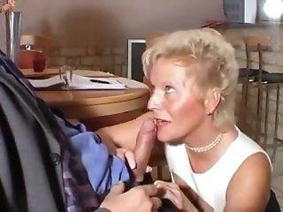 Femdom,French,Grannies,Mature,Oldie Vieille salope...