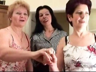 Grannies,Lesbian,College,Mature,Big Tits,Cunnilingus Lustful old bitch likes having...