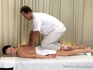 HD,MILFs,Brunette,Massage,Mature