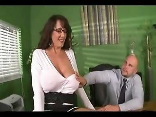 Big Tits,Cougar,MILFs,Mature